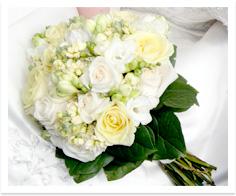 Buchetul miresei flori albe